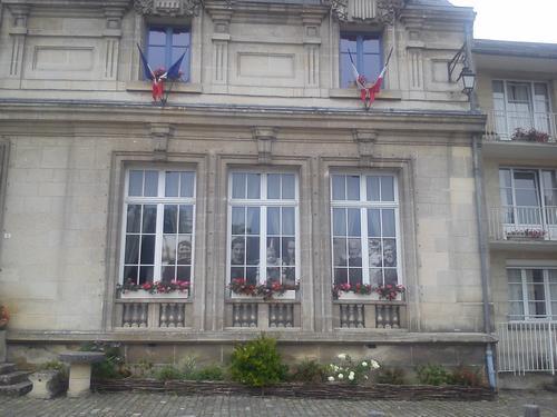 Dans leurs yeux, la guerre... à  la mairie de Coucy le Château